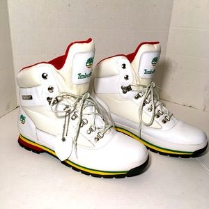 Timberland White Hi Top  Leather and Mesh Boots